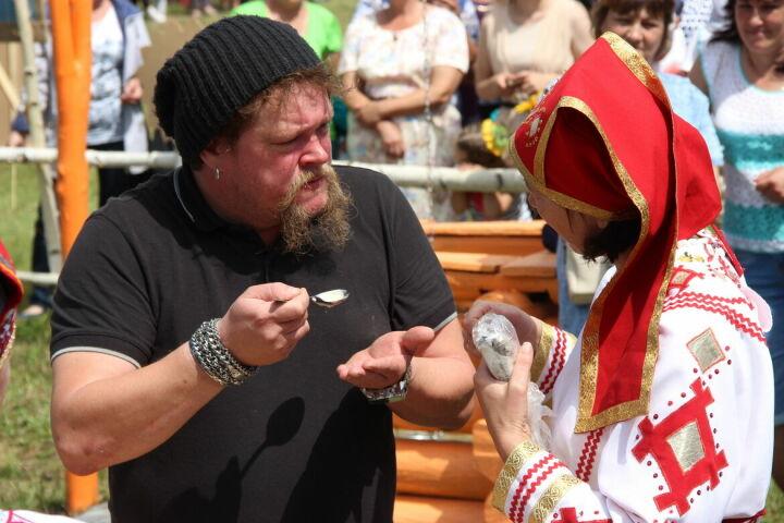 Вилле Хаапасало передал «финский привет» участникам «Валды Шинясь» в Тетюшском районе