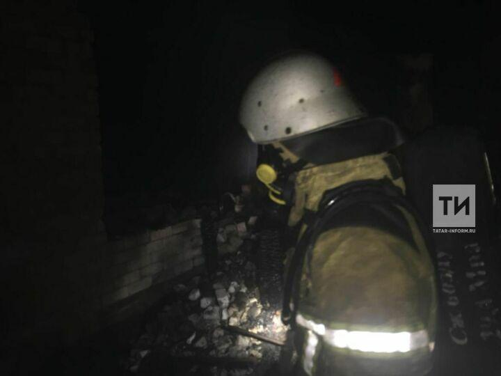 Непотушенная сигарета стала причиной пожара в Татарстане, в котором погибли два человека