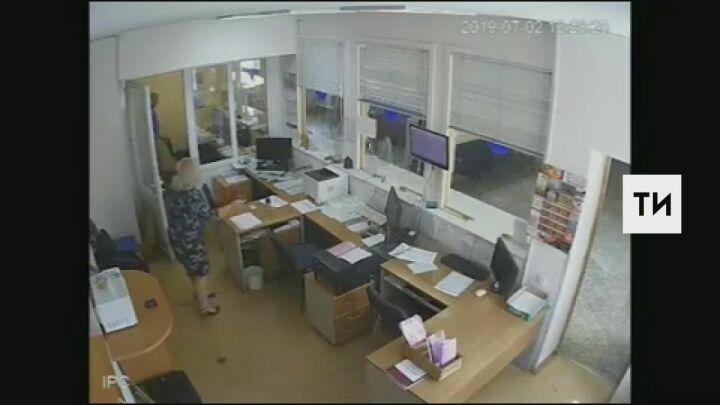 Убийство женщины-диспетчера в Альметьевске попало на видео