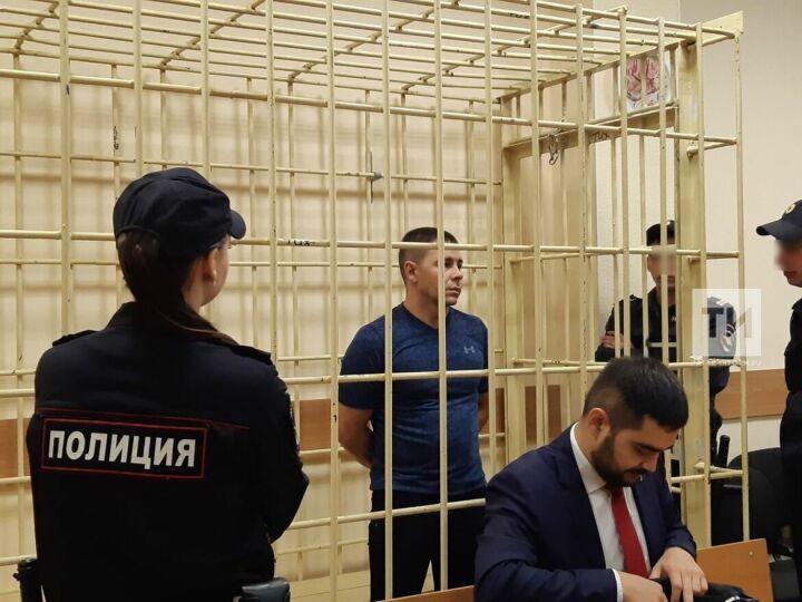 Уснул за рулем фуры: в Казани начался суд по ДТП, в котором погибли женщина с маленькой дочкой