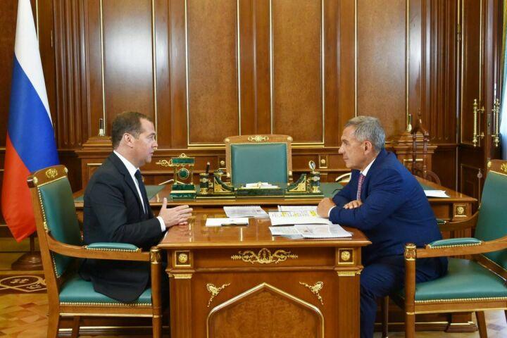 Медведев обсудил с Миннихановым WorldSkills Kazan и реализацию нацпроектов