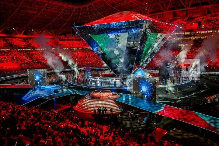 Художница изЯпонии создала виртуальные картины назакрытии WorldSkills вКазани