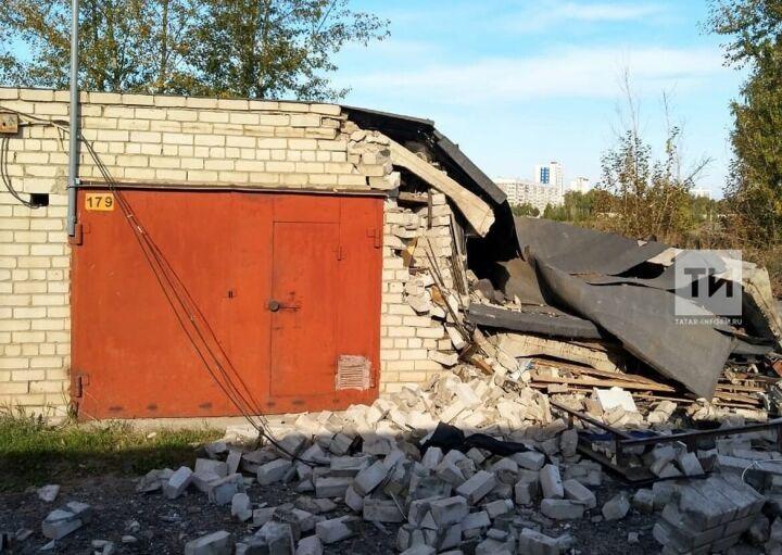 Из-за хлопка газа в Набережных Челнах обрушился кирпичный гараж и пострадал его владелец