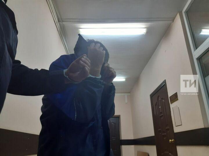 В Казани суд арестовал подозреваемого в изнасиловании восьмилетней девочки в Дербышках