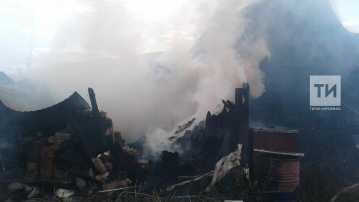 Пожилая жительница Татарстана спаслась из огня, услышав звук пожарного извещателя