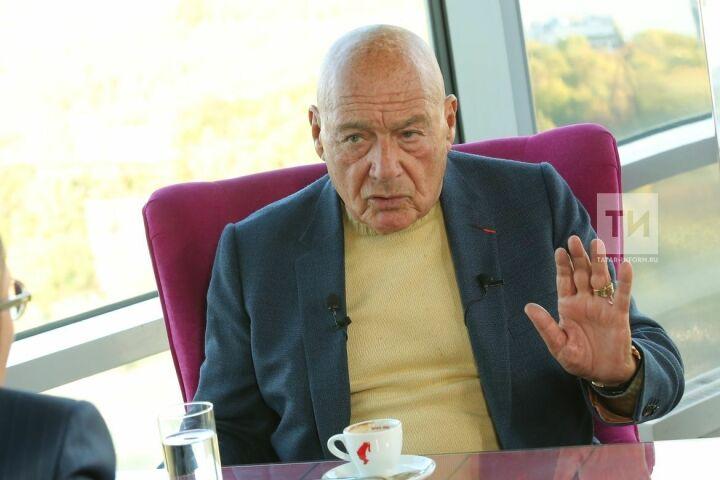 Владимир Познер: «Нельзя отнимать учеловека его родной язык»