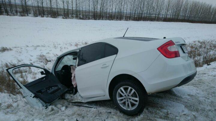 Четыре человека пострадали в лобовом столкновении иномарок в Чистопольском районе