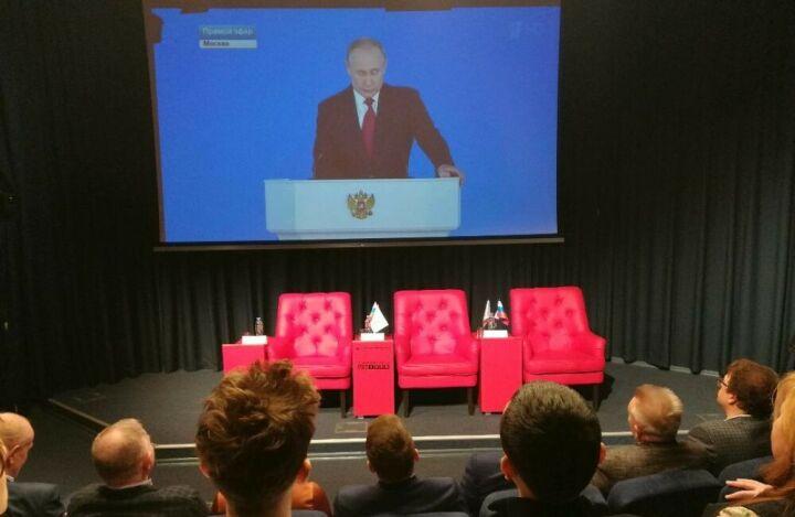 Путин поручил увеличить программу маткапитала и продлить ее до 2026 года