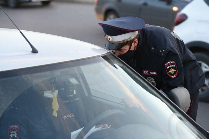В Нижнекамске во время масочного рейда проверили 33 автобуса, трамвая и такси