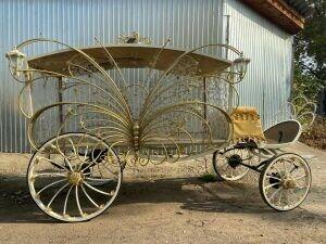 Челнинские мастера разработали уникальный катафалк в виде бабочки