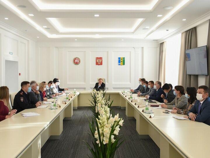 Айдар Метшин о Covid-19 в Нижнекамске: Обстановка напряженная, но контролируемая