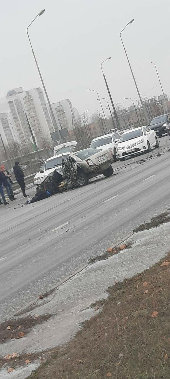 В массовом ДТП возле «Ак Барс Арены» в Казани погиб человек