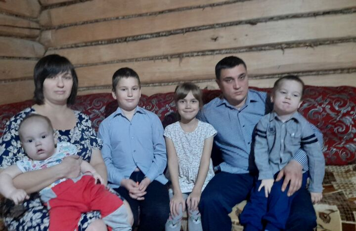 Многодетная семья из Тетюш поделилась секретами семейного счастья