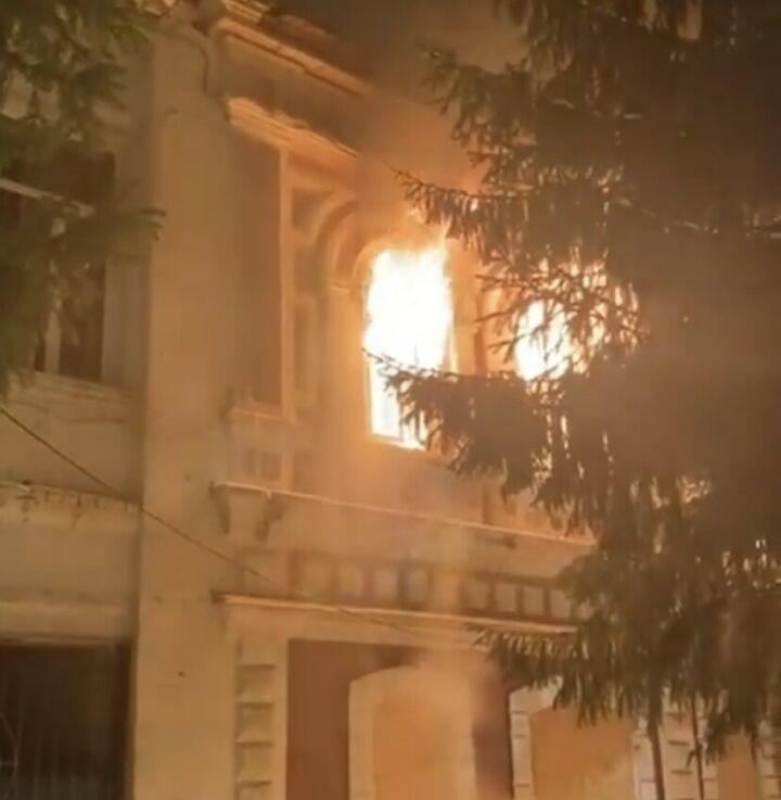 В Бугульме горело здание старинной гостиницы