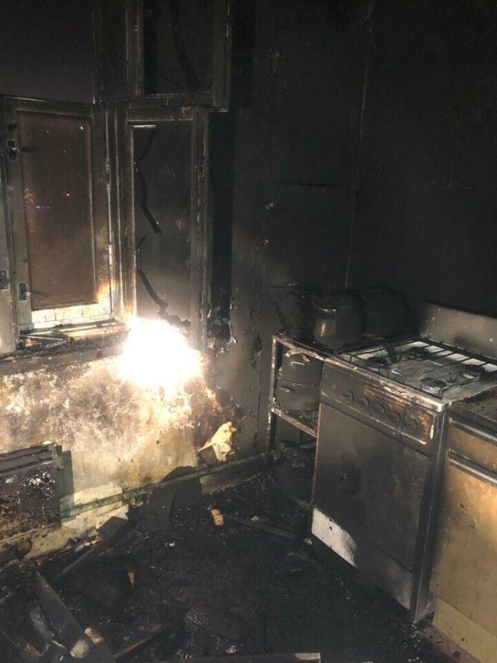 В двух пожарах в РТ серьезные ожоги получили хозяева квартир