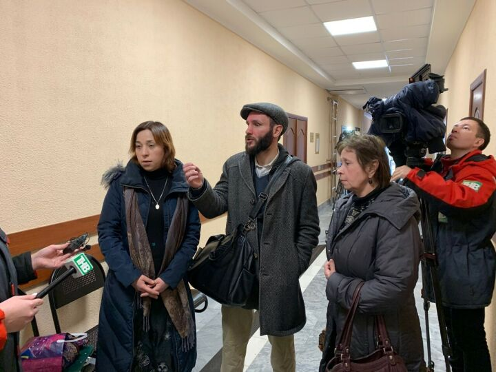 «Я растила их с рождения»: жительница Казани через суд пытается стать опекуном внучек