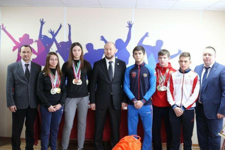 В Алексеевском районе открылся обновленный подростковый клуб «Импульс»