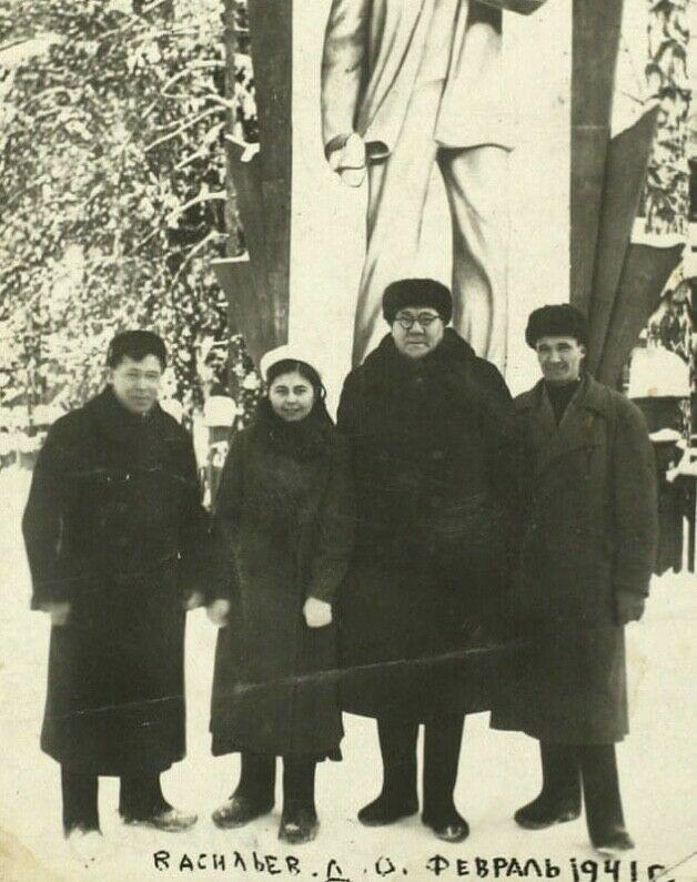 Опубликованы уникальные снимки Мусы Джалиля на отдыхе в Васильево