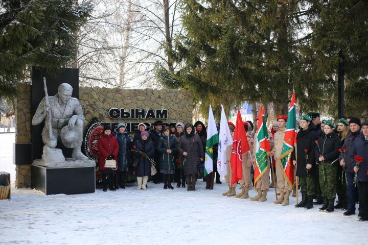 В Алексеевском ветераны Афганистана после митинга посетили концерт «Голубых беретов»
