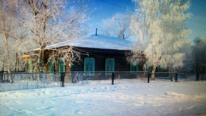 Жители Тукаевского района просят сохранить здание земской школы и создать в нем музей
