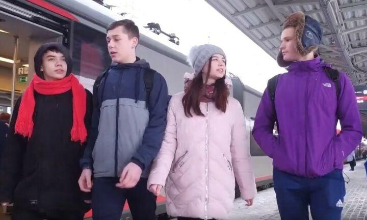 СКР на транспорте вместе с подростками зачитали рэп о безопасности на железной дороге