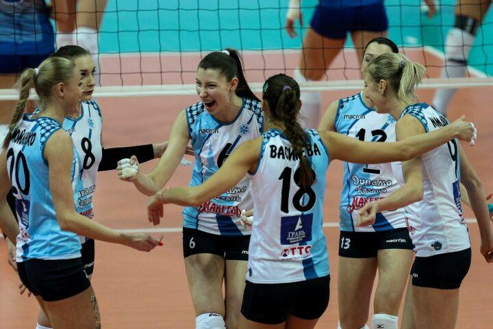 Дежурный разгром и 18-я победа подряд: казанские волейболистки обыграли аутсайдера