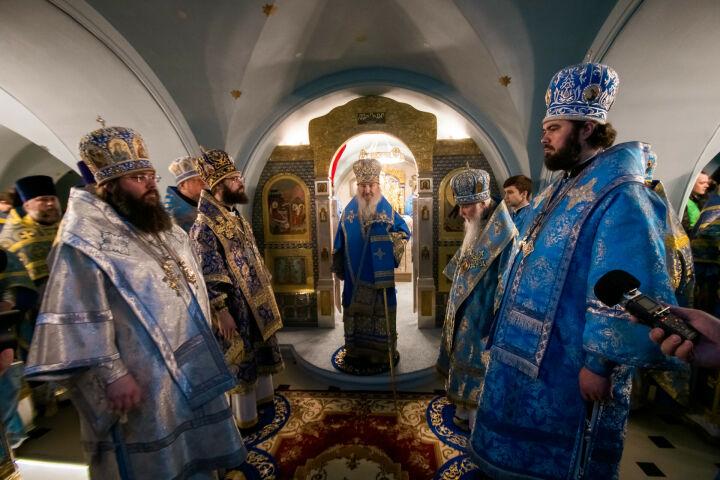 «Это эксклюзивное явление»: в Казани освятили пещерный храм воссоздаваемого собора