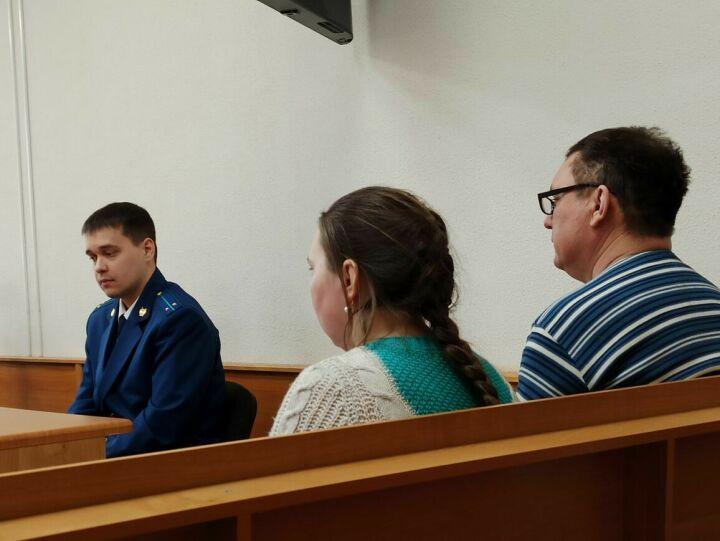 В Татарстане родители ребенка, погибшего в ДТП с трактором, простили виновника аварии