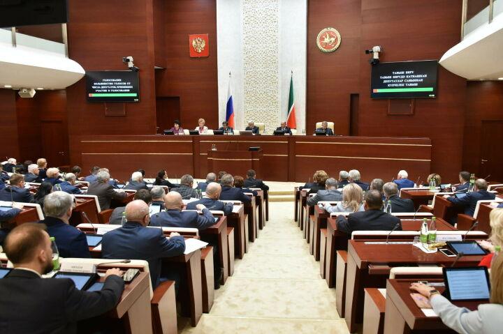 Депутаты РТ попросили Путина взять под особый контроль сохранение языков и культур