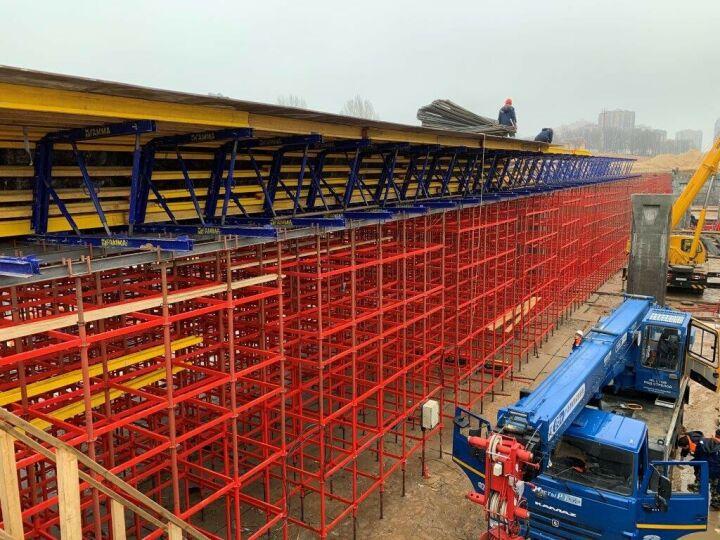 Завершено строительство подпорных стен и опор путепровода Большого Казанского кольца