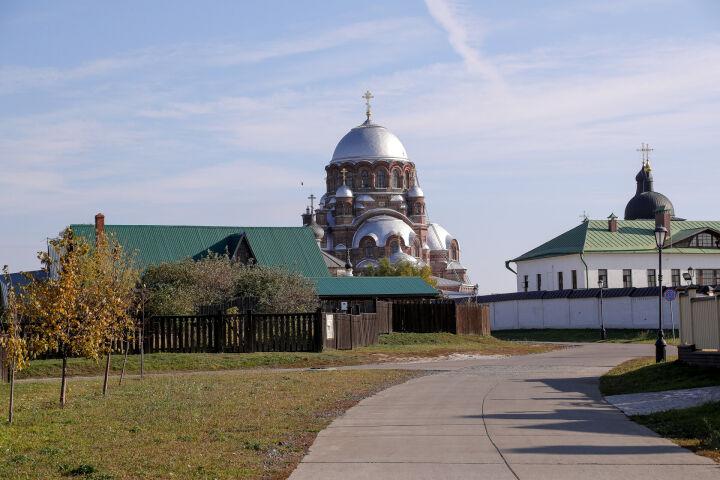 На острове-граде Свияжск отменили массовые мероприятия и закрыли музеи