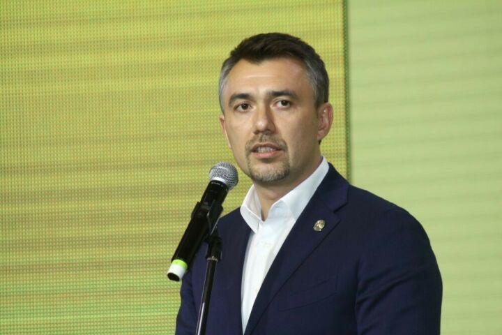 Фаттахов: Поправка кКонституции РФможет расширить молодежную политику донацпроекта