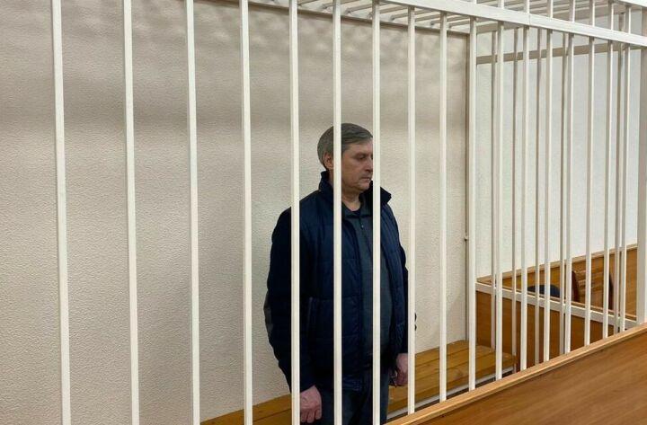 Суд арестовал двух казанцев по делу замглавы МЧС РТ, подозреваемого в мошенничестве