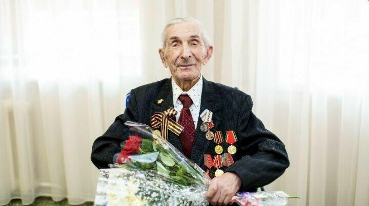 Бугульминским ветеранам, живущим в Елабужском интернате, вручили юбилейные медали