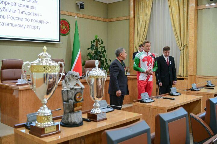 Лучшие спасатели попросили Минниханова выдвинуться на выборах Президента Татарстана