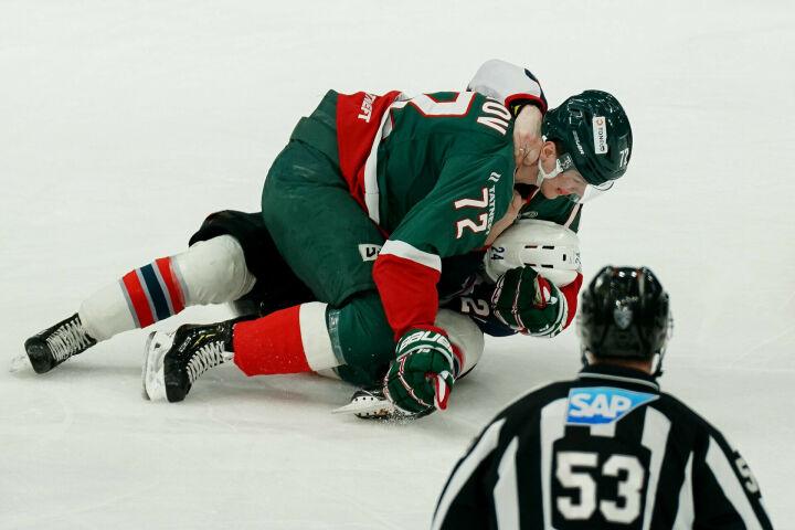 Эмиль Галимов: Впервые подрался на льду — хоть зрителей повеселил
