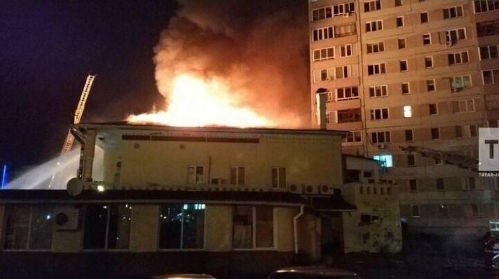 Прекращено уголовное дело о пожаре в ресторане в Челнах, в котором погиб подросток