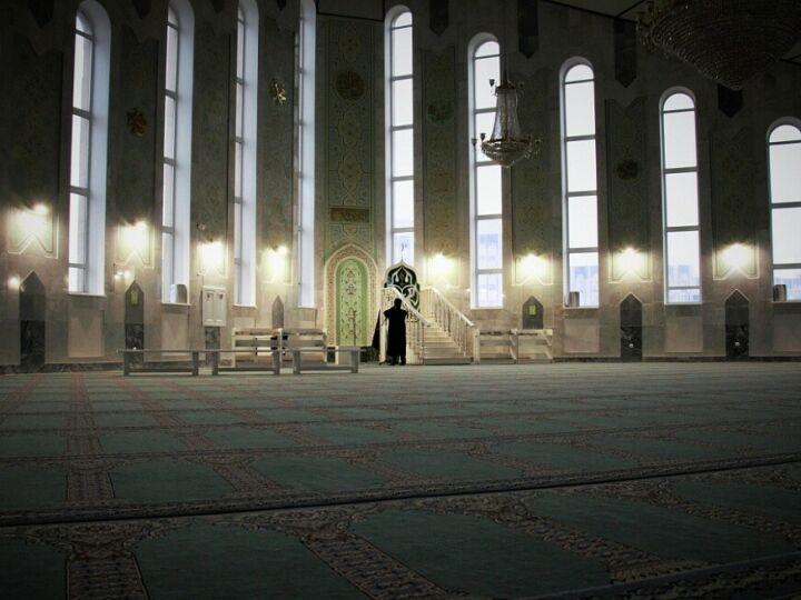 Нижнекамские мечети отменили коллективные молитвы