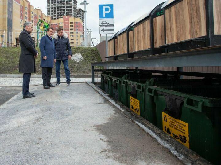 В Казани появились первые в Татарстане подземные мусорные контейнеры
