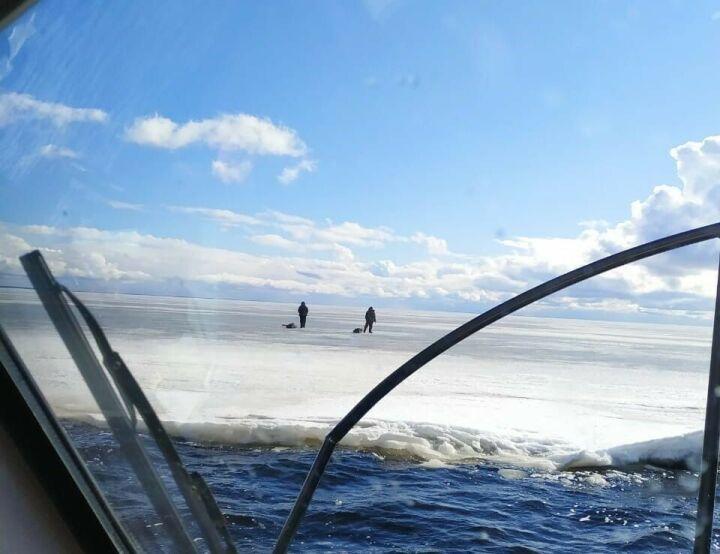 Еще пятерых рыбаков спасли со льдины в Лаишевском районе РТ