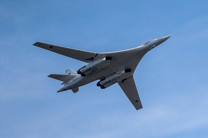 Обозреватель National Interest нашел у казанского Ту-160 лишь один недостаток