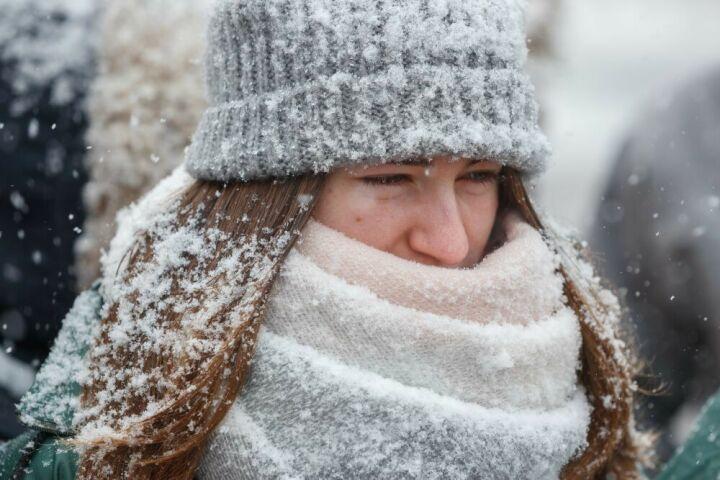 МЧС напоминает татарстанцам об осторожности в метель и гололед