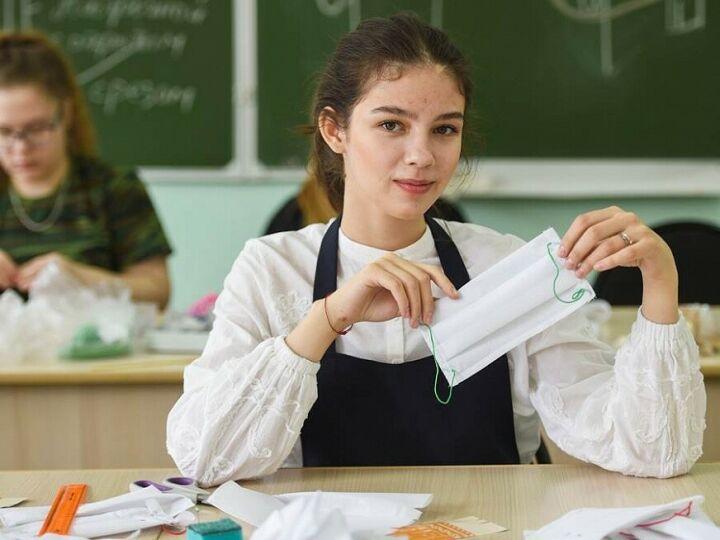 Студенты из Нижнекамска будут изготавливать по 500 медицинских масок в день
