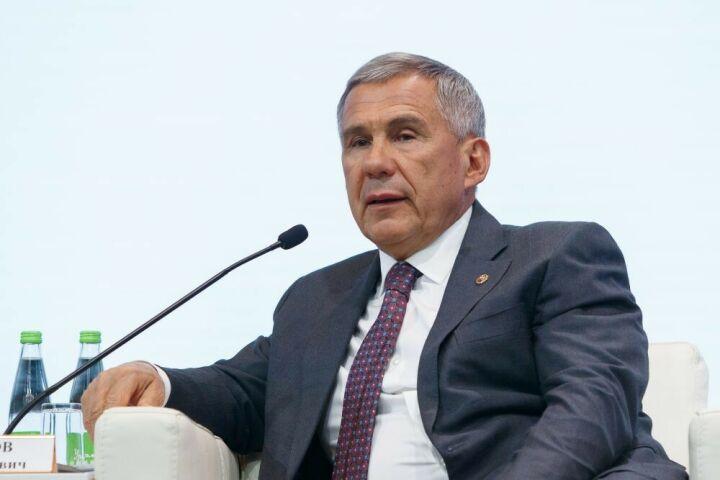 Минниханов поручил органам власти организовать работу по поручениям Президента РФ