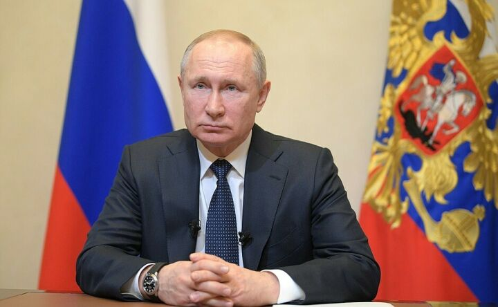 Путин ввел мораторий на шесть месяцев для банкротства предприятий в сложной ситуации