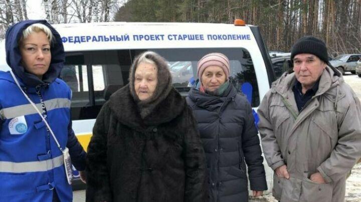 Выездные мобильные бригады осмотрели пожилых сельчан в Нурлатском районе