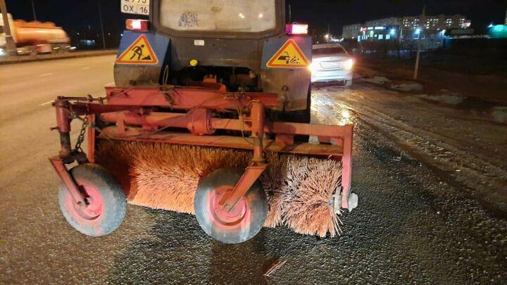 Водитель «Мазды» чудом не пострадал, разбившись о трактор в Челнах