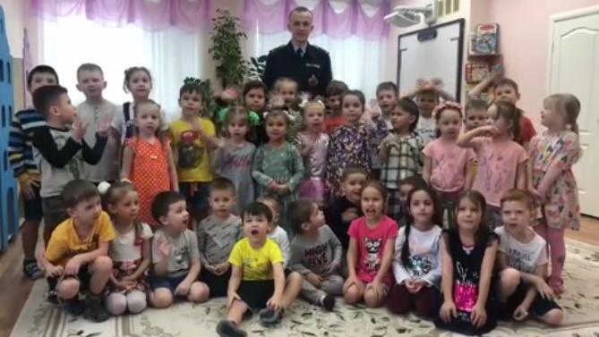 К 8 Марта ГИБДД Татарстана сняла ролик, посвященный безопасности детей на дорогах