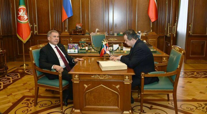 Минниханов предложил организовать прямое авиасообщение между РТ и Сербией