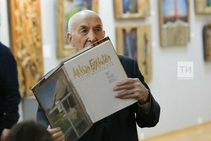 В Казани планируют издать книгу «писем-размышлений» художника Фатхутдинова